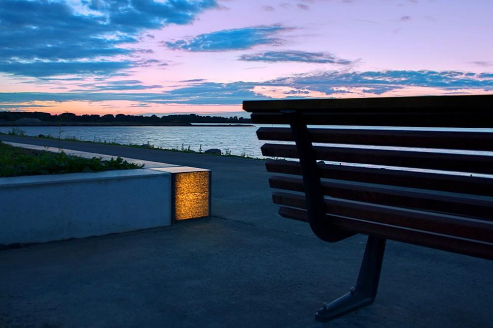 Translucent beton als buitenverlichting. Foto: Lucem